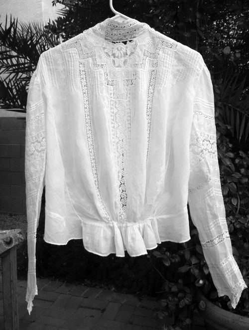 Blouse1FrontBW