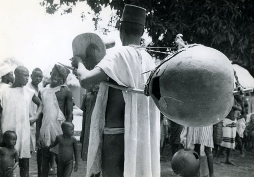 West African Jeli N'goni Player